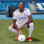 Resmi Dipekenalkan, David Alaba: Hala Madrid!